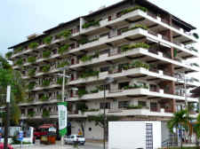 plaza dorado beach-front condominium building in pto vallarta