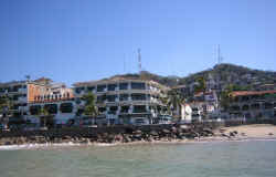downtown Puerto Vallarta malecon boardwalk - pictures by Benoit