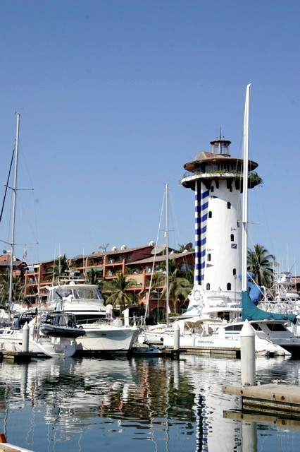 puerto vallarta marina and el Faro bar lighthouse - pic thanks to Benoit