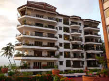 condo rentals la Palapa building side view