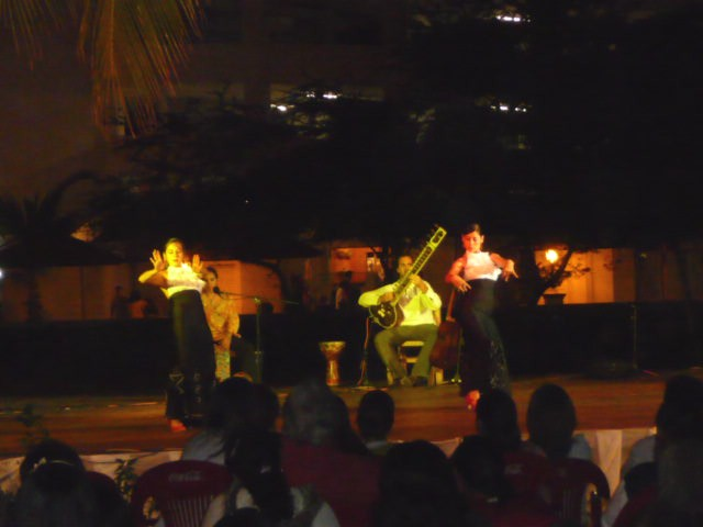 music and dance at cuale art cultural festival