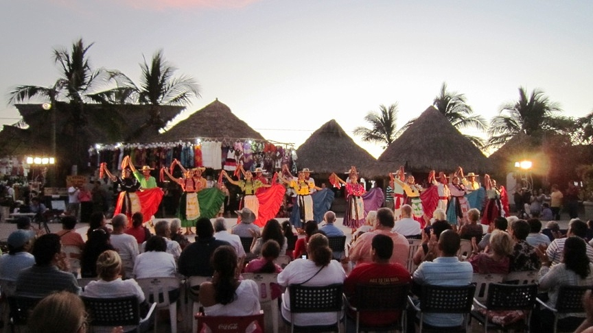 xiutla dancers in puerto vallarta at Cardenas park