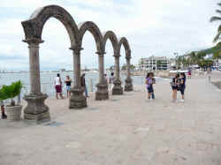 puerto vallarta los Arcos the arches major downtown attractions