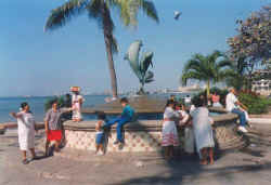 malecon puerto vallarta boardwalk the friendship fountain