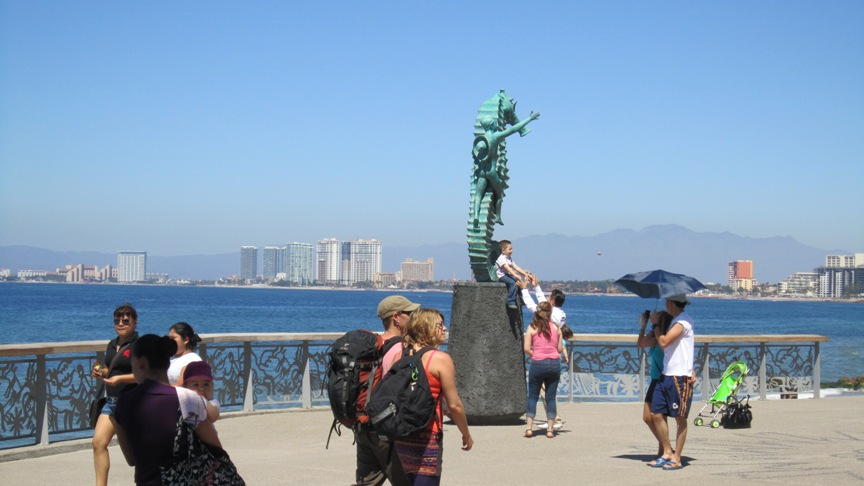 pictures of the new malecon puerto vallarta - seahorse statue